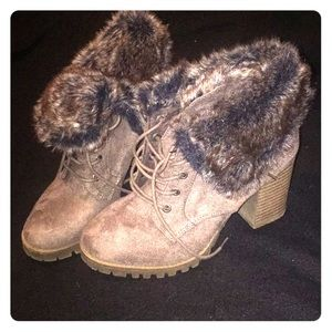 Jellypop fur lined lace up booties